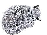stoneandstyle Steinfigur Katze schlafend, eingerollt, frostfest bis -30°C, massiver Steinguss
