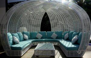 Lounge Möbel auf einer Terrasse